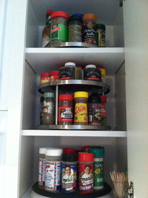 organizing the home: organizing kitchen cabinets